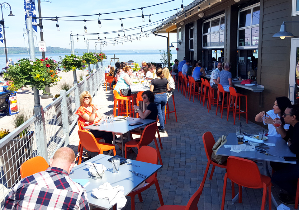 wildfin-tacoma-outdoor-dining-patio